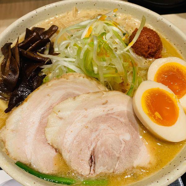 「特製バリ辛味噌ラーメンセット」@つじ田 味噌の章 東京駅店の写真