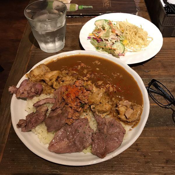 「ラム肉ソテーカレー+タンドリーチキン+辛肉バクダン」@カレーダイニングChaiの写真