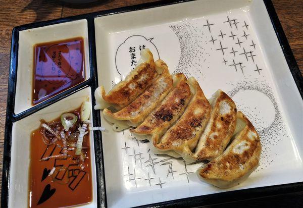 「鹿児島黒ブタ焼き餃子(6個)  550円」@鶏そば十番 156 ICHIKORO 麻布十番店の写真
