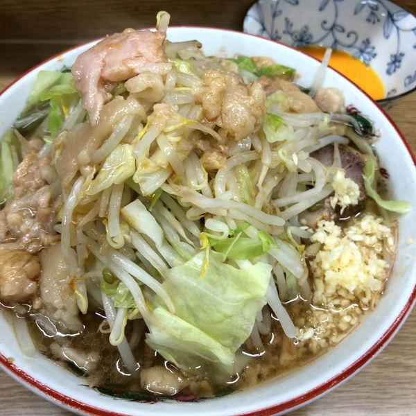 「ラーメン(麺半分)700円 生たまご 50円」@ラーメン二郎 栃木街道店の写真