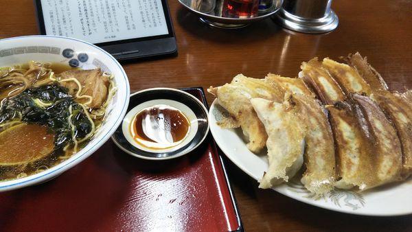 「ラーメン+餃子2人前」@天の川の写真
