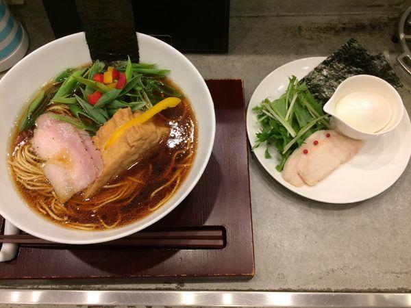 「山 特製熟成醤油鶏そば1000円」@ソバダイニング クワトロの写真