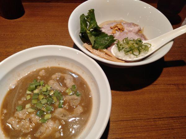 「和牛上モツ✖︎豚✖︎魚のつけ麺」@寿製麺よしかわ 川越店の写真