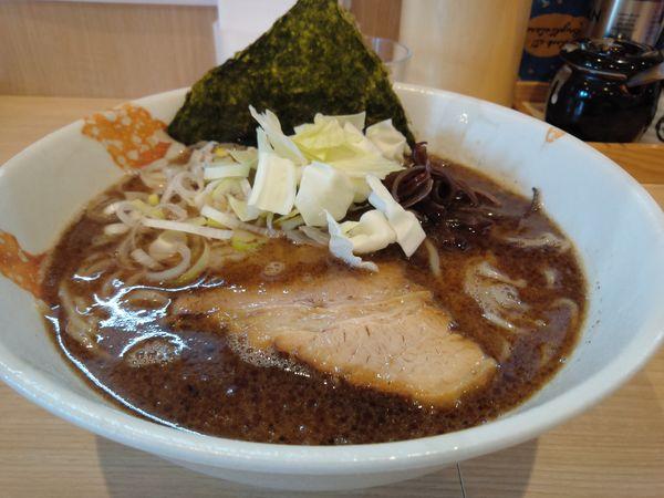「マー油らーめん800円」@麺処つむじの写真
