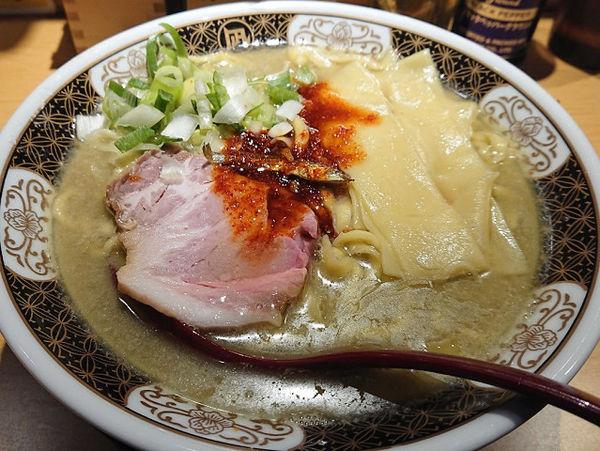 「すごい煮干ラーメン(中盛・塩)」@すごい煮干ラーメン凪 西新宿7丁目店の写真
