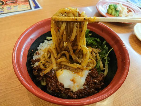 「汁なし担々麺(三つ葉有り)390円+税」@くら寿司 清瀬店の写真