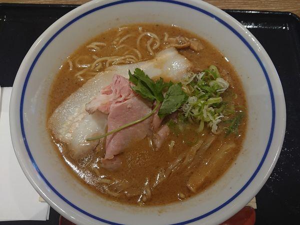 「濃厚らぁめん」@麺や庄の ららぽーと沼津店の写真