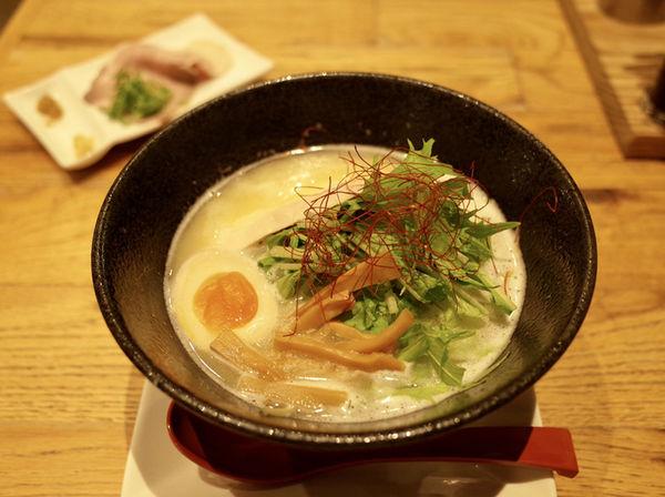 「鶏白湯麺 塩…913円」@麺屋 美鶏の写真