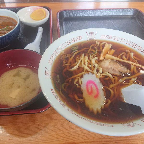 「もつ煮定食(普通)590円、ラーメン320円」@永井食堂の写真