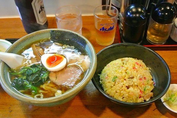 「醤油ラーメン麺硬め チャーハンセット 瓶ビール」@佐野ラーメン たかのの写真