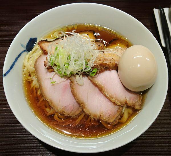 「醤油(手揉み)+味玉+チャーシュー」@麺 みつヰの写真