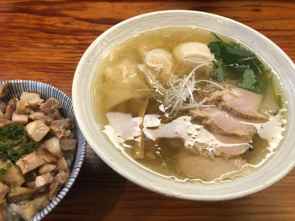 「特製塩らーめん + 炙り肉飯」@純手打ち 麺と未来の写真