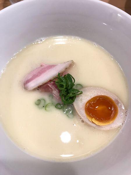 「鶏白湯麺@880円」@らーめんMAIKAGURAの写真