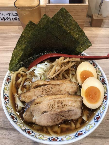 「特製醤油 大盛サービス ¥980」@くじら食堂 nonowa東小金井店の写真