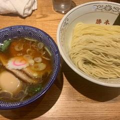 神田 勝本の写真