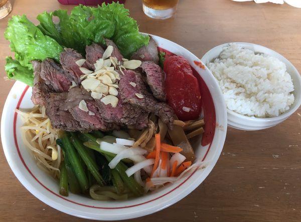 「【長月限定】手作り牛脂で和牛和え蕎麦 トマトを添えて(S)」@MENYA 食い味の道有楽の写真