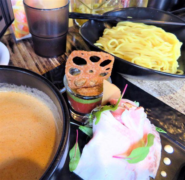 「つけ麺+葱(1,000円)」@牛骨らーめん ぶるず 門前仲町店の写真