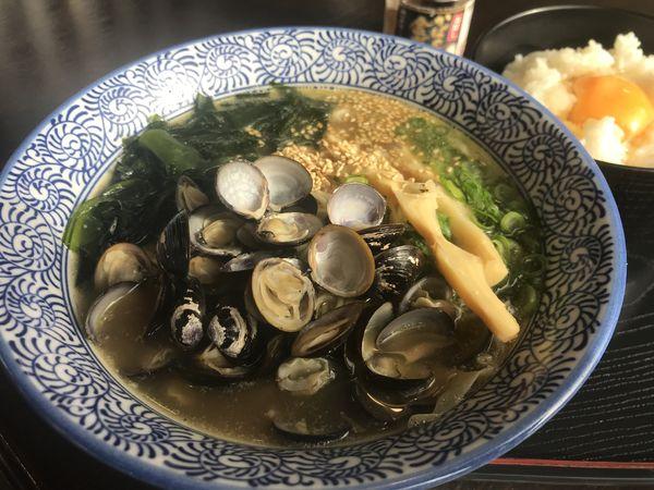「宍道湖しじみラーメン」@炉端かば 米子空港ターミナル店の写真