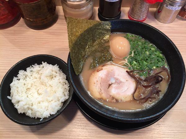 「味玉らーめん」@九州とんこつらーめん ひらさわの写真