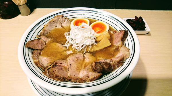 「超煮干らぁめん+味玉(クーポン)+チャーシュー増し」@煮干しらぁめん 猫トラ亭の写真