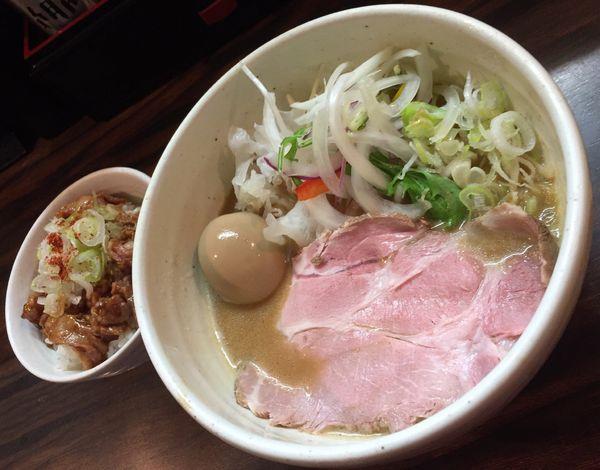 「味玉鶏白湯らーめん(醤油)+なんこつごはん」@(麺)並木商事の写真