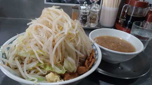 「つけ麺野菜マシ」@らーめん大 本郷店の写真