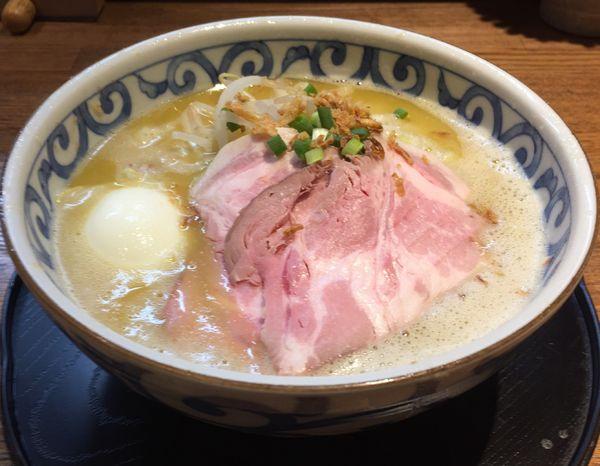 「バリシオラーメン+たまご」@らー麺屋 バリバリジョニーの写真