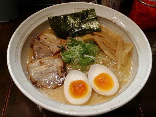 「醤油白湯 味玉ラーメン(500円)」@下町ら~めんの写真