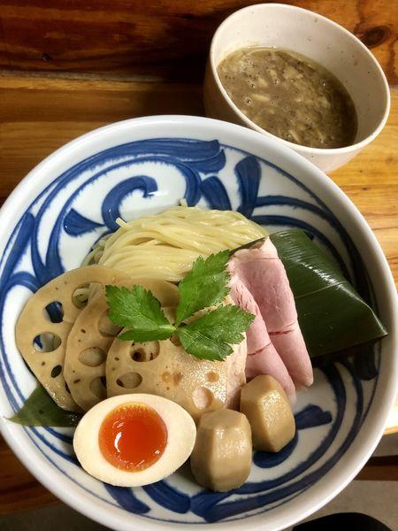 「【限定】里芋と煮干しのとろ~り濃厚つけ麺〜秋の根菜を添えて〜」@中華そば よしかわの写真