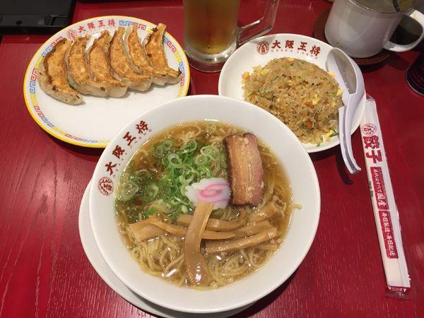 「醤油ラーメン+半炒飯+餃子+生ビール」@大阪王将 御徒町駅前店の写真