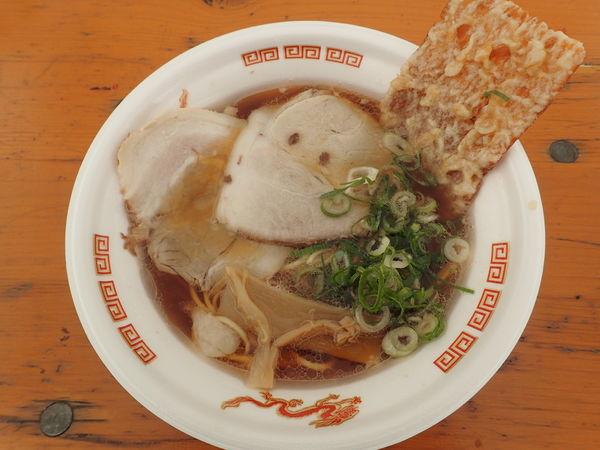「喰海 2種のチャーシューと大判イカ天入り尾道ラーメン」@大つけ麺博 美味しいラーメン集まりすぎ祭の写真