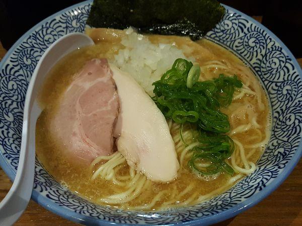「煮干し鶏白湯 大盛 ¥900」@麺や 渡海の写真