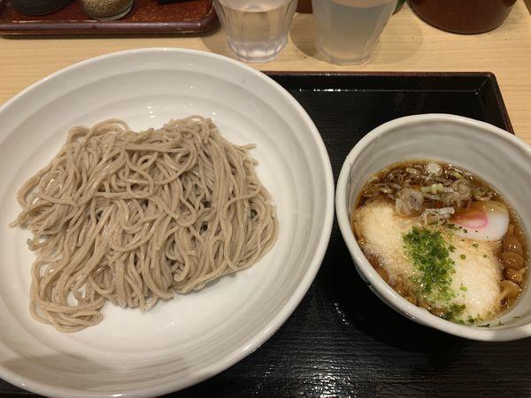 「新潟県産なめことろろのつけ蕎麦 540円」@そばいち 新宿店の写真