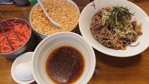 「肉入りつけ蕎麦(大) 950円」@馳走麺 狸穴の写真