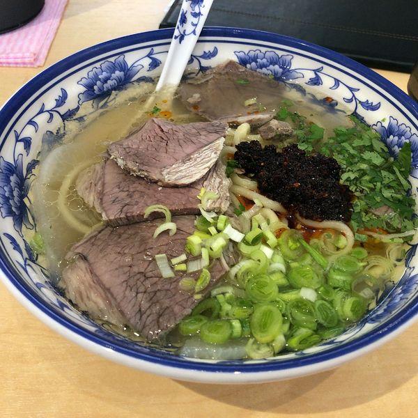 「蘭州拉麺(880円)」@中国蘭州牛肉拉麺 蘭少爺の写真