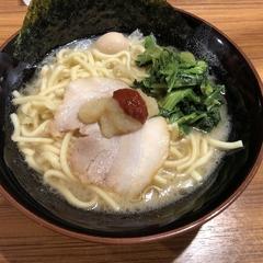 横濱家系ラーメン 壱角家 川越店の写真