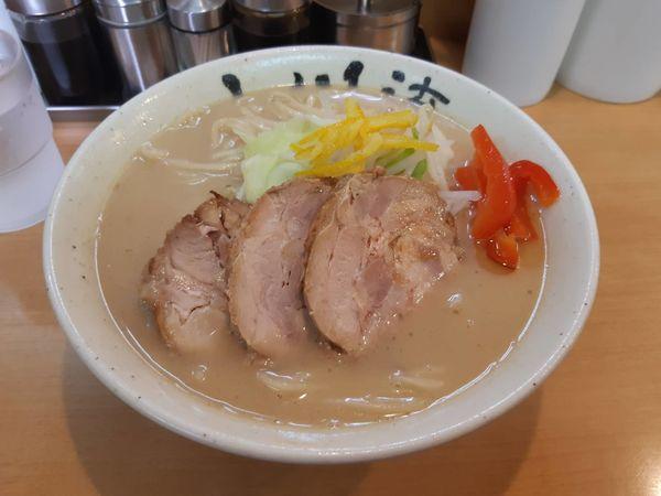 「ゆず香る鶏そば(大盛)チャーシュー2枚プラス」@創作らーめん 小川流 二本松店の写真