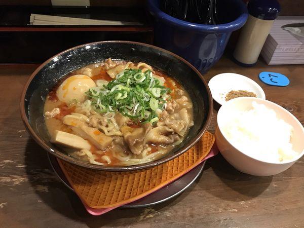 「鹿児島名物豚味噌を使った自家製ラー油入り肉肉味噌ラーメン」@まりお流らーめんの写真