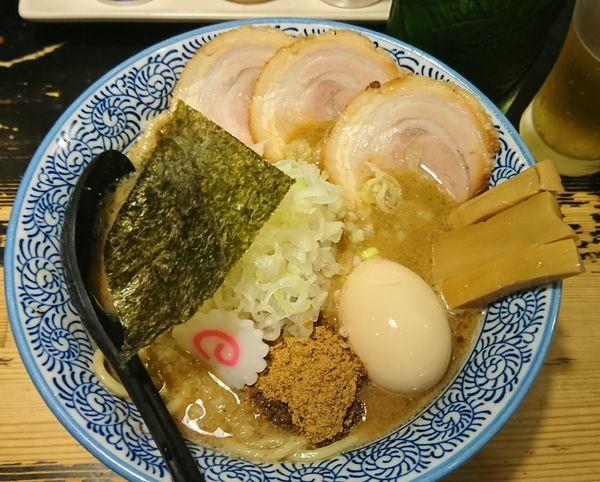 「濃厚狼煙らーめん+ばらチャーシュー+タマネギ=¥1280」@狼煙 〜NOROSHI〜の写真