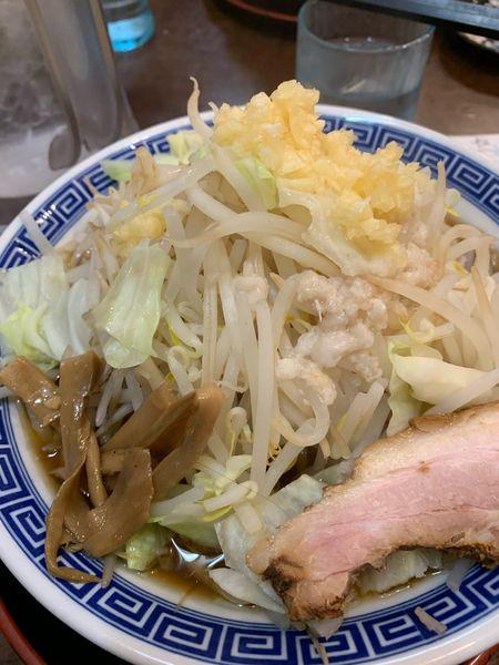 「忍ばずじろう 太麺 野菜 ニンニク」@かくれ麺家 SAREDO 忍ばずの写真