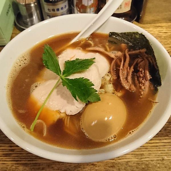 「烏賊煮干鶏白湯そば 味玉」@新橋 纏の写真