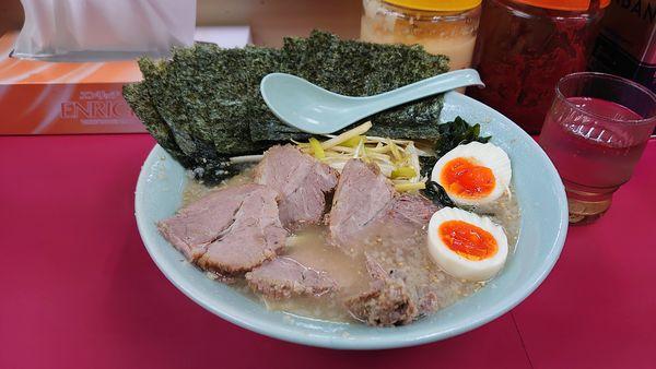 「ネギ塩チャーシュー麺、中盛、太麺、味玉、のり」@ラーメンショップ 牛久結束店の写真
