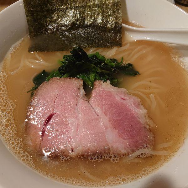 「炭焼き鯛煮干し塩ら~めん750円、チャーシューごはん250円」@菜の写真