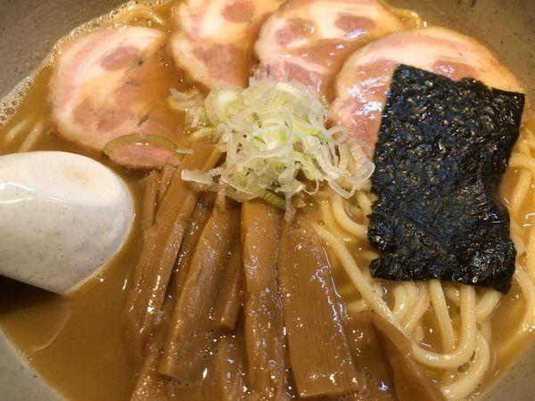 「らーめん(大)+チャーシュー」@麺屋吉左右の写真