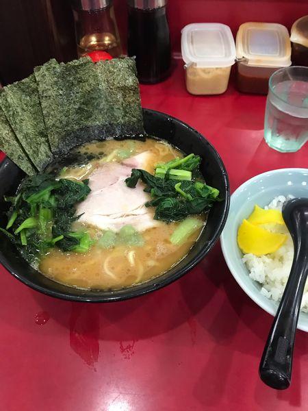 「ラーメン+青菜」@杉田家 千葉店の写真